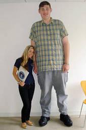 Tallest Man in America | Strange days indeed... | Scoop.it
