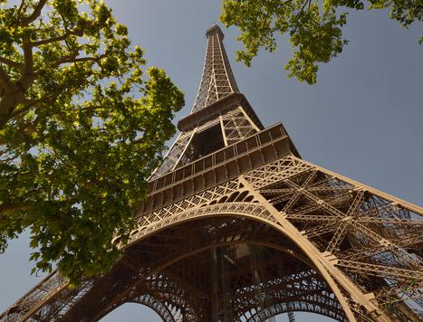 Dans les coulisses du rêve en photos: la Tour Eiffel   JOIN SCOOP.IT AND FOLLOW ME ON SCOOP.IT   Scoop.it