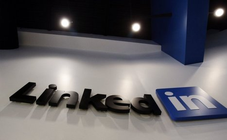 LinkedIn tries to get users' attention by offering them influence - Los Angeles Times | Following the path of LinkedIn | Scoop.it