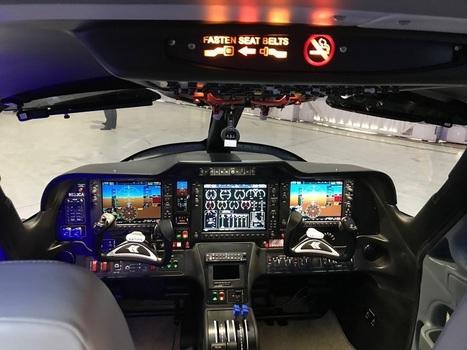 Batterie avion Bump and Go Navette Spatiale Fusée avion avec lumières et...