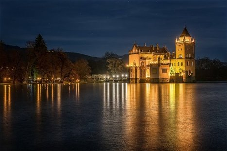 Christmas festively illuminated water castle Anif by Robert Schüller, #travel, #nature | Politically Incorrect | Scoop.it