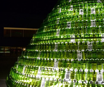 India Art n Design Global Hop : Christmas Tree from Waste Bottles | Art and activism | Scoop.it