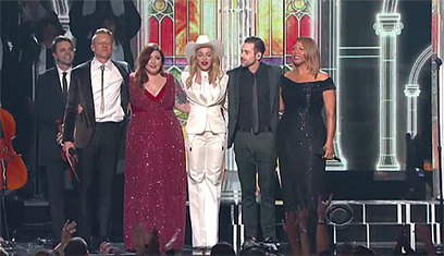 34 Couples Wed at the Grammys to Macklemore's Gay Rights Anthem 'Same Love': VIDEO   Daily Crew   Scoop.it