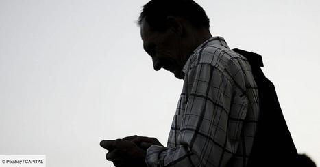 Le juteux trafic de smartphones des fonctionnaires municipaux ...