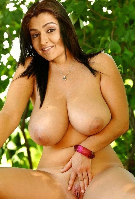 Mature black woman with big tits