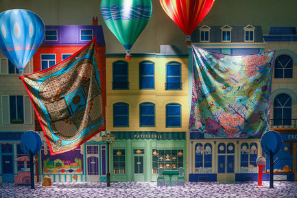 Windows Wear reveals window displays in stores the world over | fashion retail visual merchandising | Scoop.it