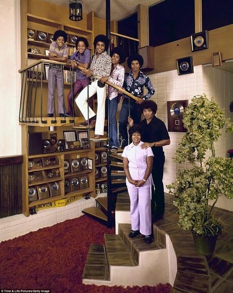 Life publie une série de photos de rock stars des 70's avec leurs parents | Paper Rock | Scoop.it