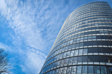 SolarWindow unveils new energy-generating glass that bends | The EcoPlum Daily | Scoop.it