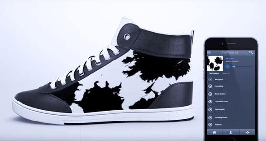 Sepatu yang Bisa Berubah-ubah Warna dan Gaya Se... a9129b232f