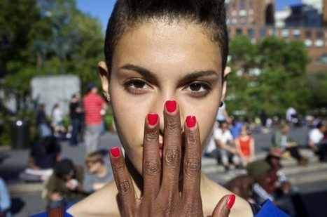 Photographer touching strangers' noses is awkward yet intriguing ...   What's new in Visual Communication?   Scoop.it
