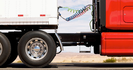 Hackers Hijack a Big Rig Truck's Accelerator and Brakes | Emerging Media (while dreaming of Paris!) | Scoop.it