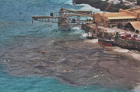 Ship Breaks Apart off Western Australia Coast   OUR OCEANS NEED US   Scoop.it