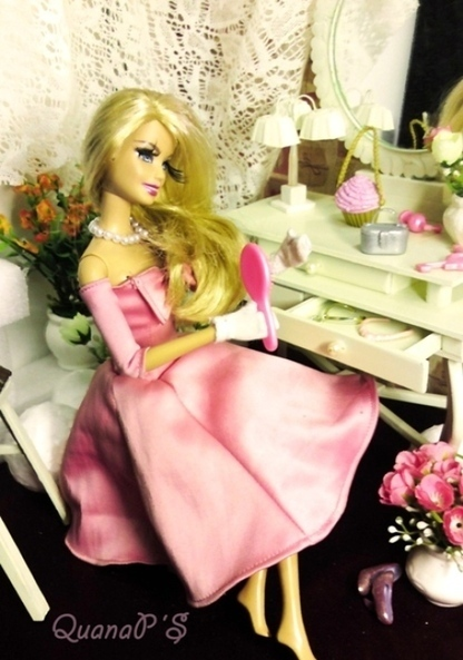 Local youths hold fashion design contest for dolls - Tuoitrenews | Fashion Dolls | Scoop.it