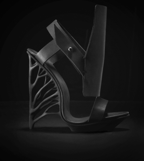Juxtapose: A new 3D printed Shoe by Marieka Ratsma | i.materialise 3D Printing Service Blog - watch us make the future (feel free to join in) | 3D and 4D PRINTING | Scoop.it