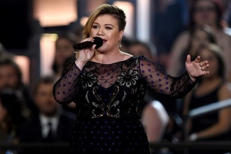 Kelly Clarkson Had to Choose Between Idol and Grammys | Country Music Today | Scoop.it