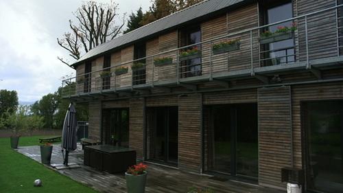 isolation en ouate de cellulose pour cette maison passive d 39 architecte ouate de cellulose. Black Bedroom Furniture Sets. Home Design Ideas