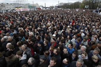 In Moscow, Thousands Rally for 1-Year Anniversary of Anti-Putin Protests | real utopias | Scoop.it