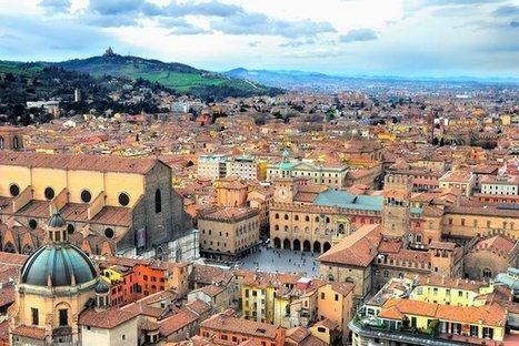 Bologna, Italia.   Beautiful places.   Scoop.it
