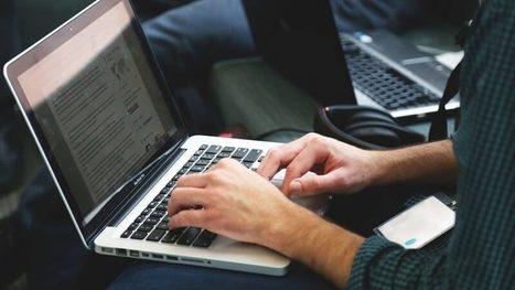 Quel rôle joue le rédacteur Web dans la création de contenu multimédia ? | SocialWebBusiness | Scoop.it