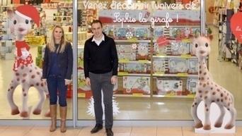 Une boutique éphémère pour Sophie la girafe   streetmarketing   Scoop.it