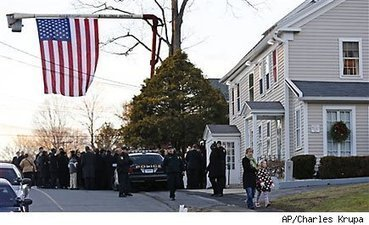 Amid Newtown Tragedy, Scam Artists Creep In - DailyFinance | Upsetment | Scoop.it