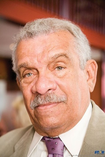 """derek walcott nearing forty Nevertheless, i looked at his poem """"nearing forty"""" and saw these words in the  beginning  i've been reading the late great derek walcott."""