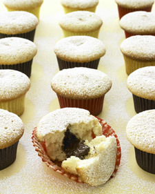 Chocolate-Filled Cupcakes | new baking ideas | Scoop.it