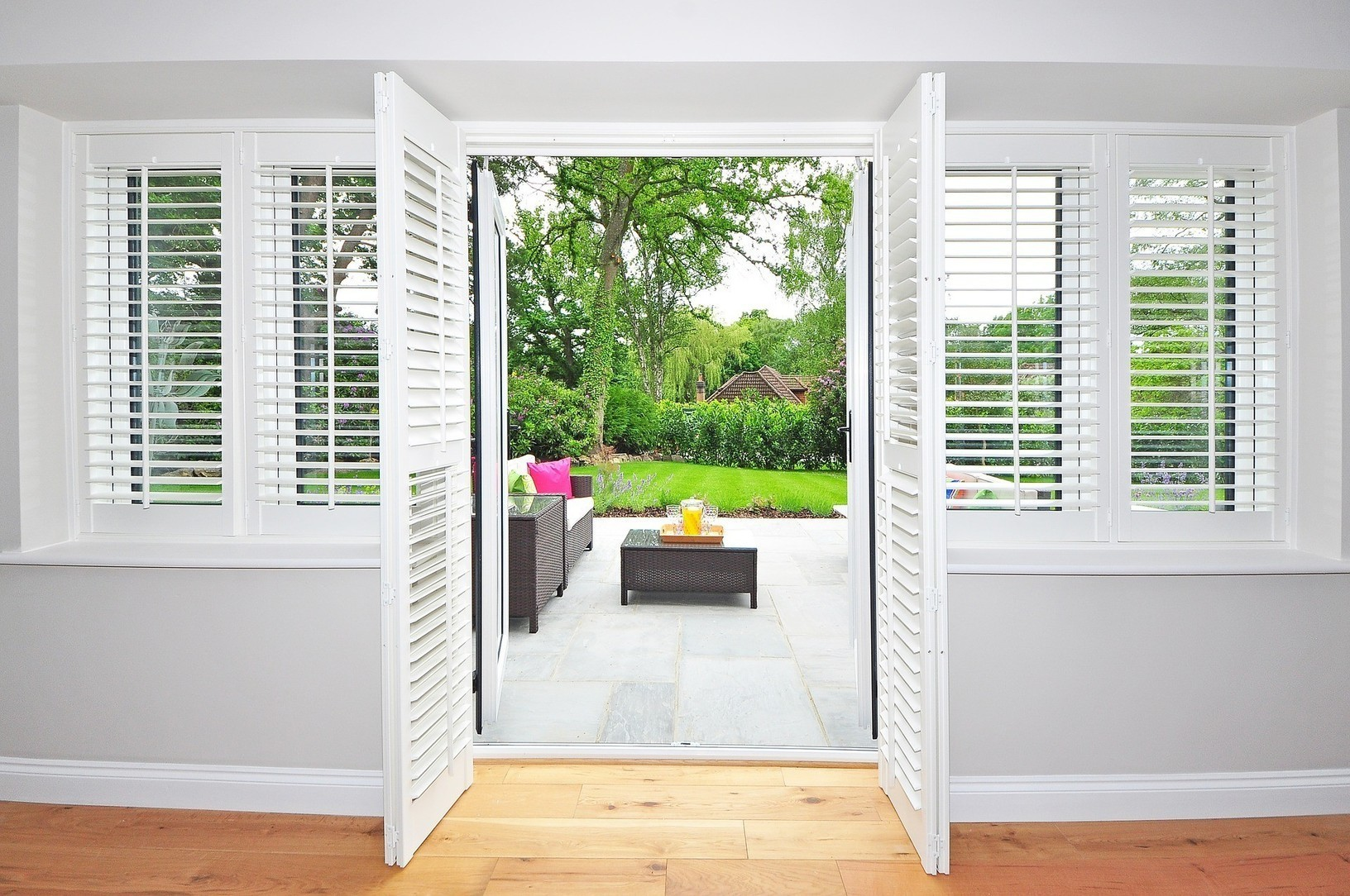 Pvc Faux Wood Shutters Are Easy To Clean Somet