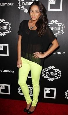 Shay Mitchell - Look do dia - CAPRICHO | Moda e Beleza | Scoop.it