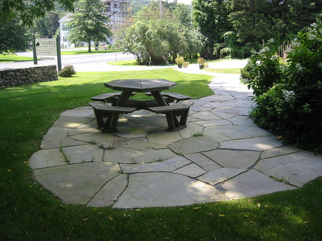 Flagstone Patio Ideas For Your House | Homes-art.com | Landscape Design DIY, Tips, and Best Practices | Scoop.it