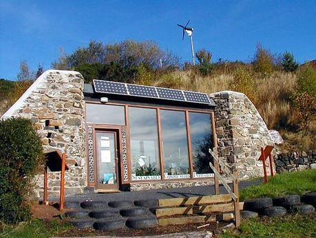 Brighton Earthship Small House Swoon Maison