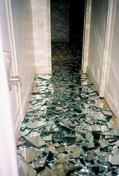 Cracked Glass Table Top 15