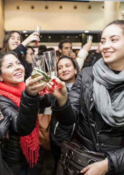 EAE celebra el brindis navideño con los alumnos de programas Part Time y Weekend | retail and design | Scoop.it