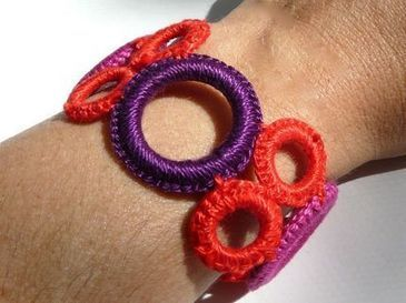 How to Make a Crocheted Ring Bracelet - and how to find inspiration  for  items to sell at  acraft and artisan markets | BKstylecode-36-28-42 | Scoop.it