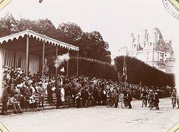 Le vélo à la fin du XIXe siècle : un loisir familier et institué - L'Histoire par l'image   GenealoNet   Scoop.it