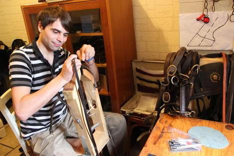 Romain Boudoux, 24 ans, sellier-bourrelier à Lieu-Saint-Amand | Métiers, emplois et formations dans la filière cuir | Scoop.it