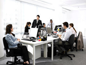 How a Generation Gap Divides Workers | Office Environments Of The Future | Scoop.it