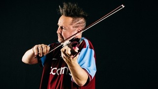 Violinist Nigel Kennedy considers leaving 'fascist' UK for Germany - The Strad | Muzibao | Scoop.it