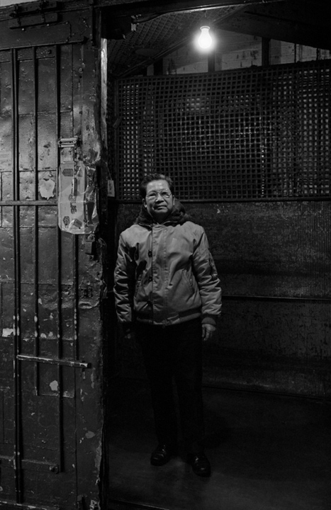 Photographer Revisits His 30-Year-Old Photographs of New York's Chinatown - PetaPixel | black and white film photo | Scoop.it