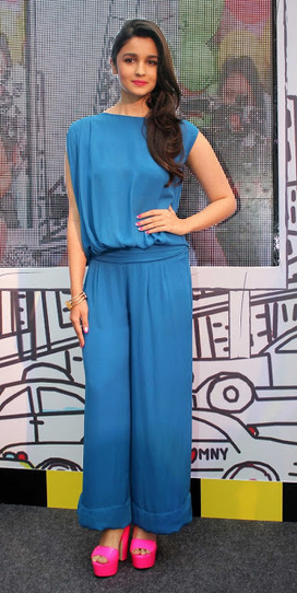 a899c48662 We re Going Bananas Over Alia Bhatt s Lace Jumpsuit