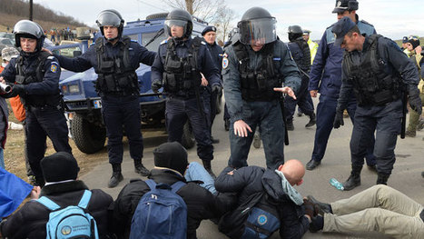 Anti-fracking clashes in Romania as activists break into Chevron site (PHOTOS, VIDEO) | A Container for Thought | Scoop.it