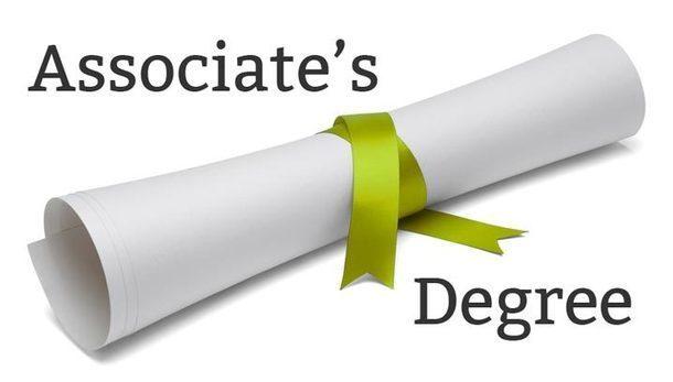 Associate's Degree in Nursing: Salary, Online P...