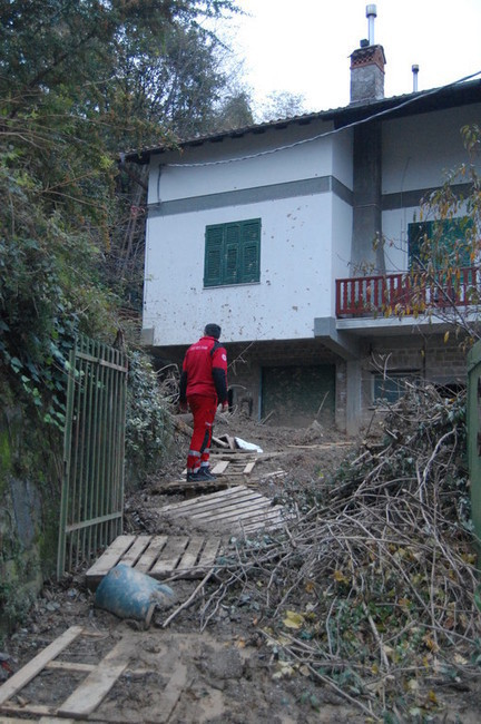 Croce Rossa: i volti dell'alluvione in Liguria | Politikè | Scoop.it