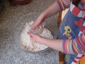 Raisin Oat Cookies – cooking develops maths skills and sensory play | NurtureStore | Jardim de Infância | Scoop.it