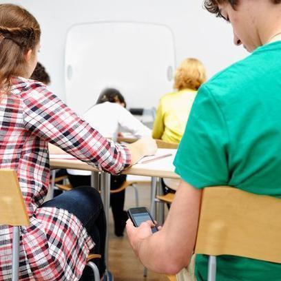 73% of Teachers Use Cellphones for Classroom Activities | InRural | Scoop.it