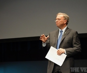 Eric Schmidt says it's 'extremely curious' that Apple lawsuits don't target Google directly | neutopia | Scoop.it
