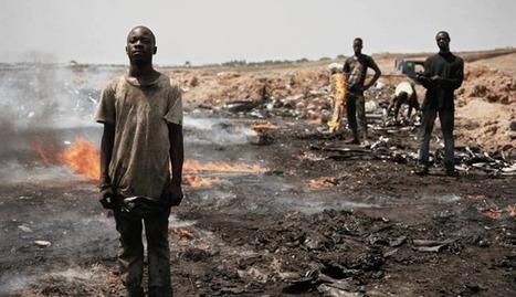 Stunning Photos Capture Devastating Worldwide E-Waste Problem » EcoWatch | Greening the Media Ecosystem | Scoop.it