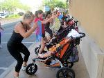 Moms get a workout while entertaining tots   Exercise for health   Scoop.it