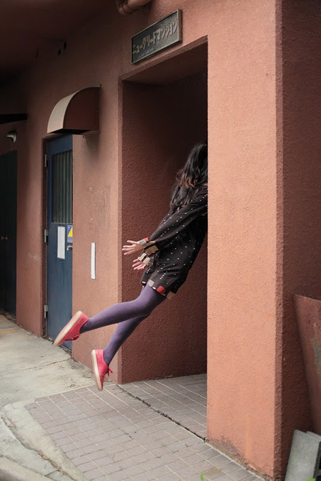 Levitating Self-Portraits by Natsumi Hayashi  | Organic Pathos | Scoop.it
