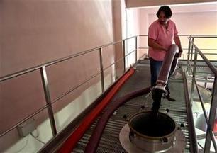 Syrians, Lebanese produce wine in ferment of war | Charliban Lebnen | Scoop.it